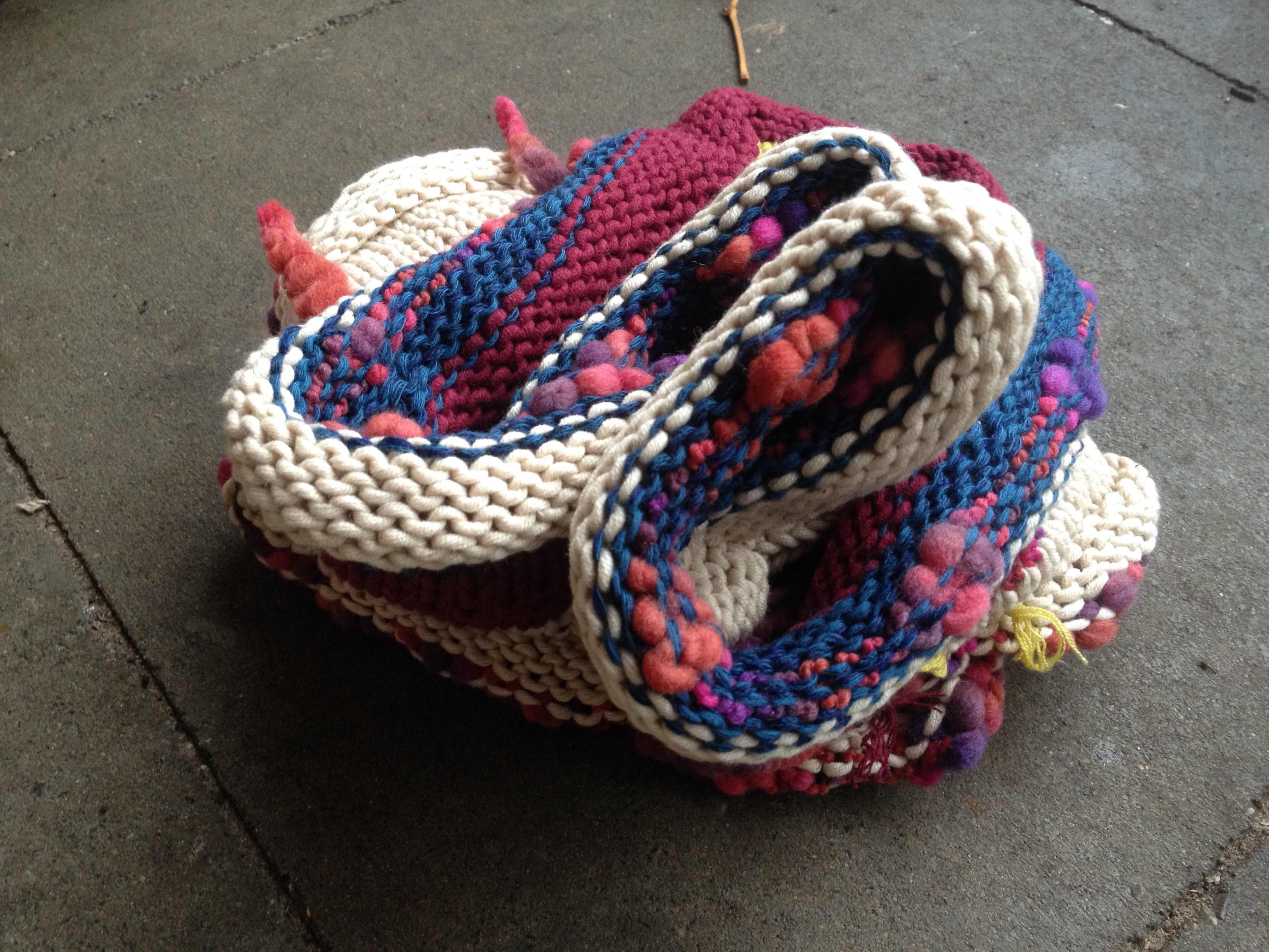 Handmade Rainbow Multicolor Schal Loop aus Recycling Wolle_1