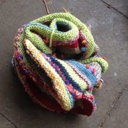 Handmade Rainbow Multicolor Schal Loop aus Recycling Wolle_2