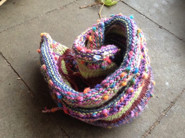 Handmade Rainbow Multicolor Schal Loop aus Recycling Wolle_5