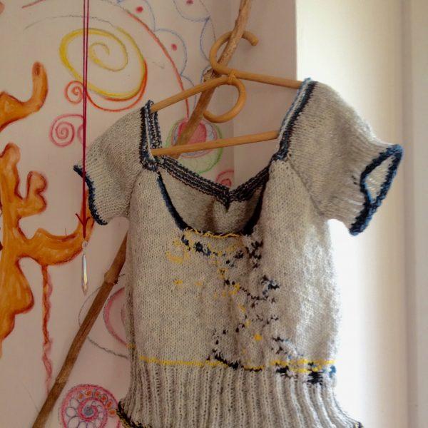 handmade-schurwolle-pullover-wolle-art-und-werk-design_detail